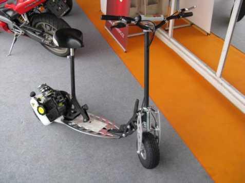 Ostatní Nitro Scooters XG 09 Motokolob moped 0kW benzin 2011